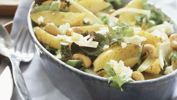 Rezept: Gemischter Kartoffelsalat mit Cashews und Käse