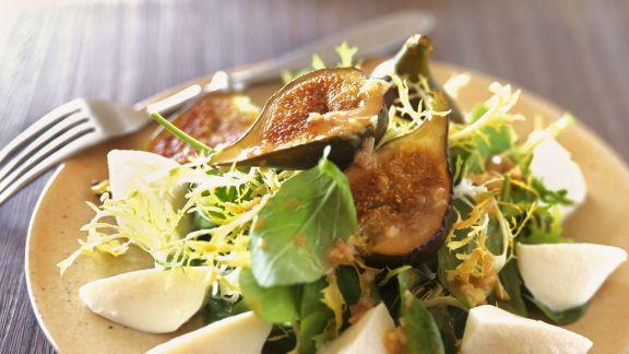 Rezept: Gemischter Salat mit Feigen und Mozzarella