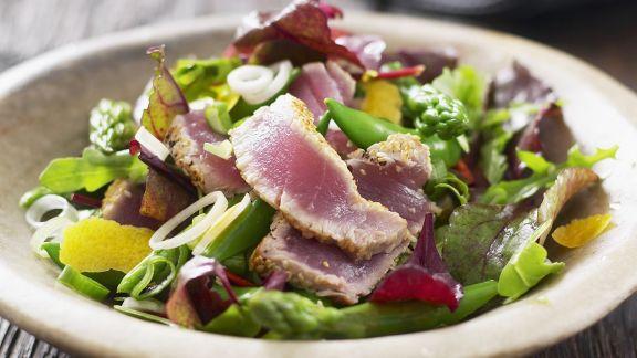 Rezept: Gemischter Salat mit gebratenen Thunfischstreifen