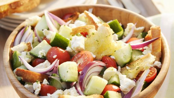 Rezept: Gemüse-Brotsalat