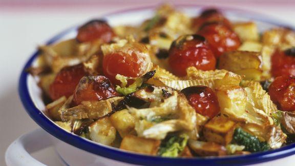 Rezept: Gemüse-Kartoffelauflauf mit Camembert