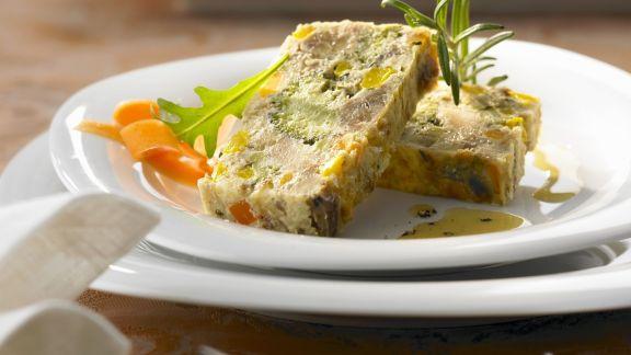 Rezept: Gemüse-Kastanien-Terrine Rosmarinvinaigrette