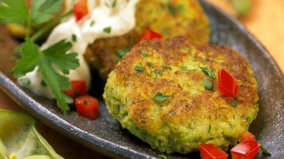 Rezept: Gemüsebratlinge mit Joghurtsauce