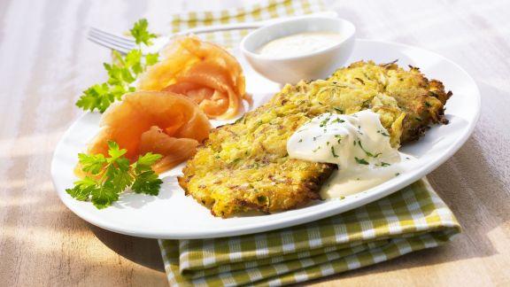 Rezept: Gemüsepuffer mit Joghurtdip und Räucherlachs