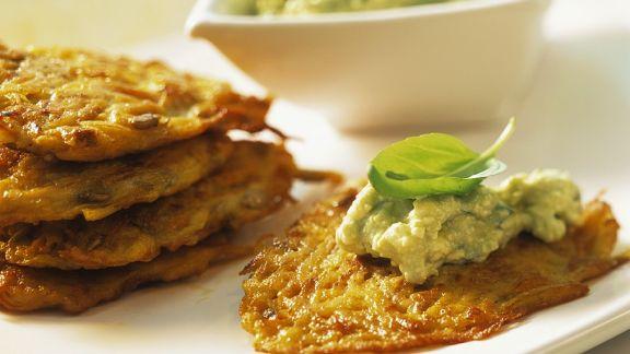 Rezept: Gemüsepuffer mit Käse-Guacamole