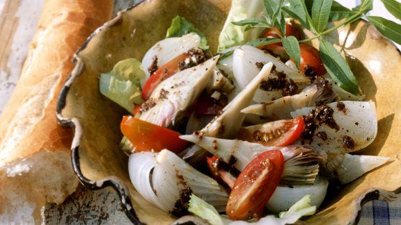 Rezept: Gemüsesalat mit Olivencreme (Tapenade)