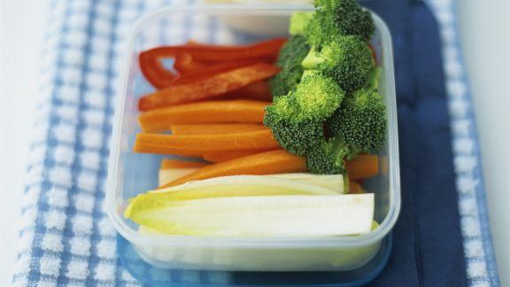 Rezept: Gemüsesticks mit Kichererbsendip