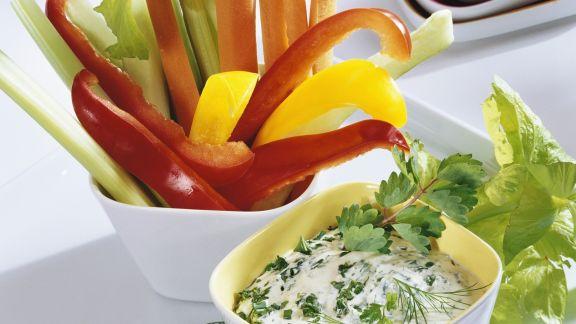 Rezept: Gemüsesticks mit Kräuterquark