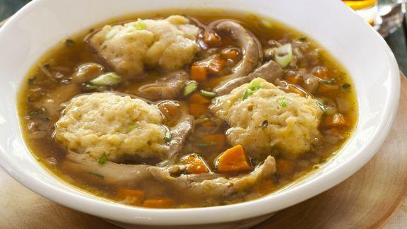 Rezept: Gemüsesuppe mit Hühnernocken