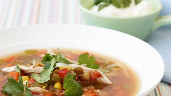 Rezept: Gemüsesuppe nach mexikanischer Art mit Hähnchen und Koriander