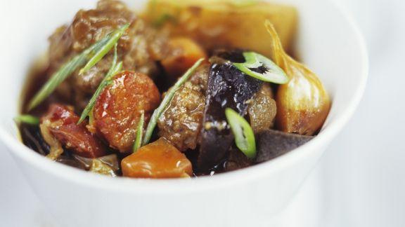 Rezept: Gemüsetopf mit Chorizo und Fleischbällchen