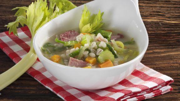 Rezept: Gerstensuppe mit Rauchfleisch und Gemüse