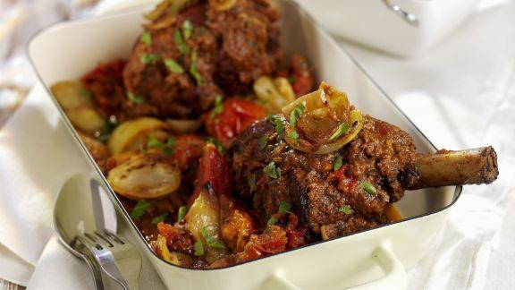 Rezept: Geschmorte Lammhaxe mit Gemüse