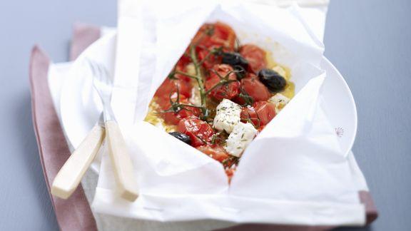 Rezept: Geschmorte Tomaten mit Feta und Oliven