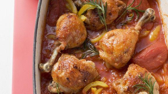 Rezept: Geschmortes Hähnchen mit Paprika in Tomatensauce