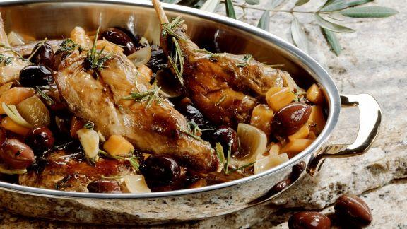 Rezept: Geschmortes Kaninchen mit Oliven und Rosmarin