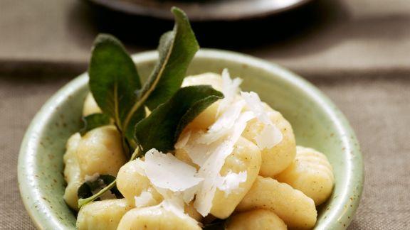 Rezept: Gnocchi mit Salbeibutter
