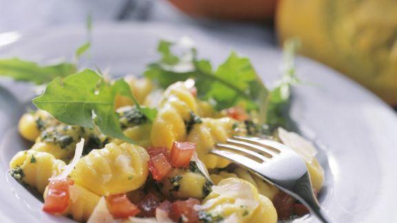 Rezept: Gnocchi mit Wildkräuterpesto