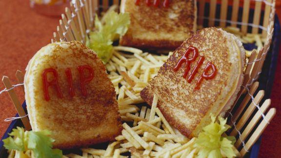 Rezept: Grabstein-Sandwichs zu Halloween