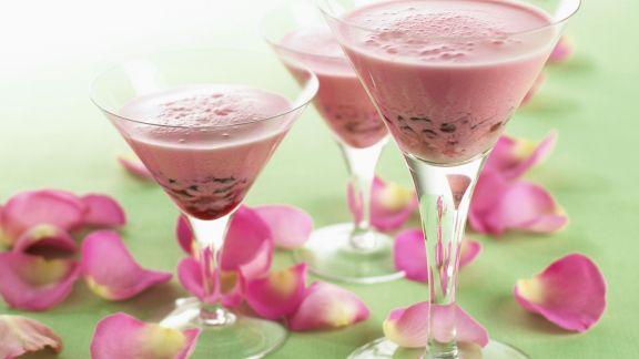 Rezept: Granatapfelmilchshake mit Rosenwasser