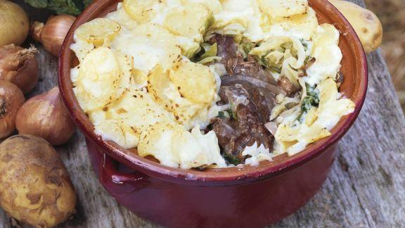 Rezept: Gratin mit Fleisch, Kohl und Kartoffelhaube