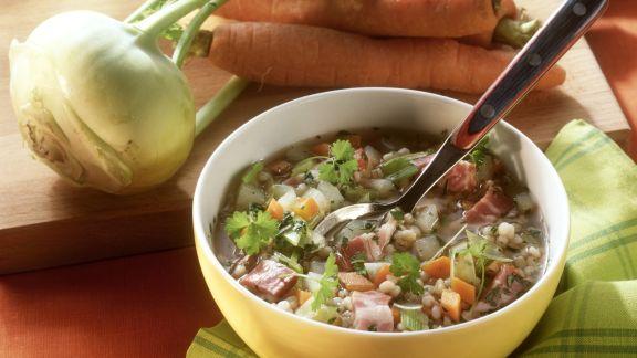 Rezept: Graupen-Gemüse-Suppe mit Bauchspeck
