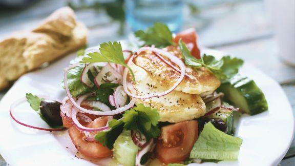 Rezept: Griechischer Salat mit Fisch