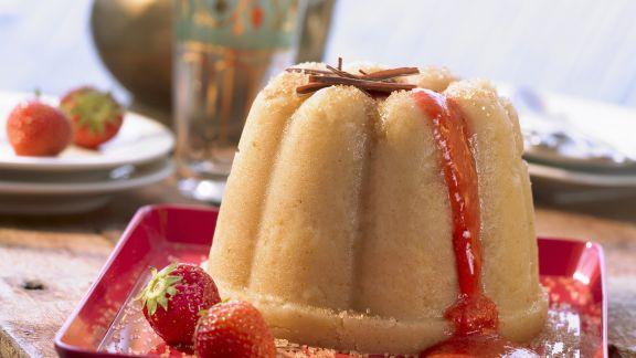Rezept: Grießpudding nach griechischer Art mit Erdbeersoße