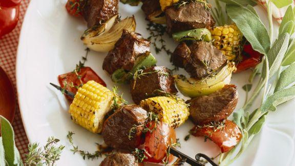Rezept: Grillspieße mit Gemüse und Rindfleisch
