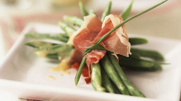 Rezept: Grüne Bohnen im Parmaschinkenmantel