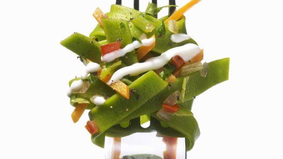 Rezept: Grüne Nudeln mit Gemüsesoße