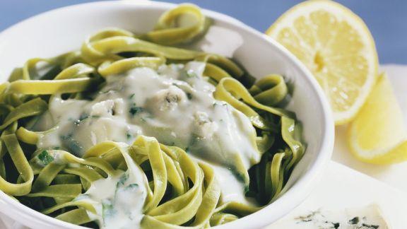 Rezept: Grüne Pasta mit Gorgonzolasoße