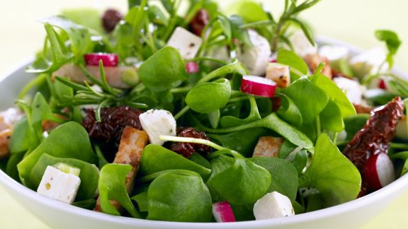 Rezept: Grüner Salat mit getrockneten Tomaten und Radieschen