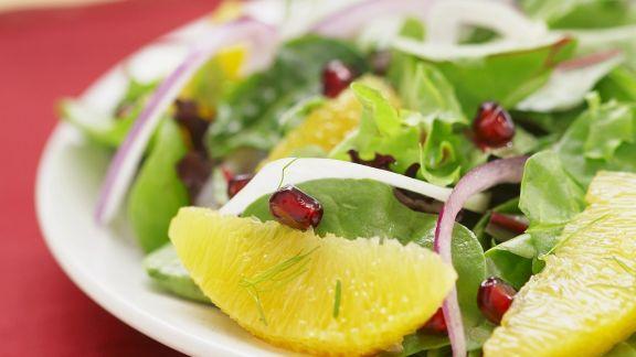 Rezept: Grüner Salat mit Grapefruit und Granatapfel