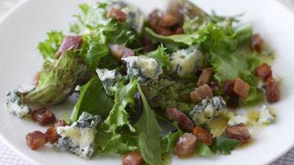 Rezept: Grüner Salat mit Schinken und Blauschimmelkäse