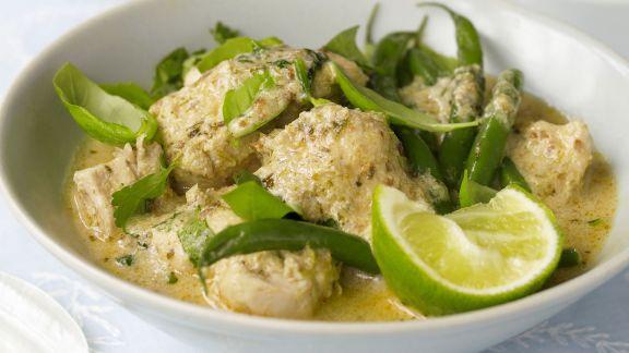 Rezept: Grünes Curry mit Hähnchen auf thailändische Art
