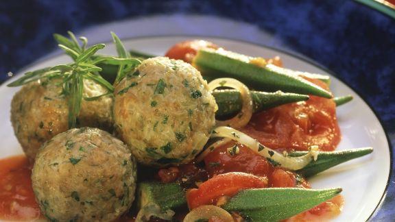 Rezept: Grünkernknödel mit Tomaten-Okra-Gemüse