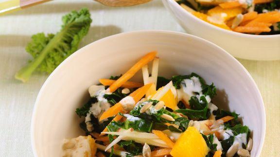 Rezept: Grünkohlsalat mit Möhren