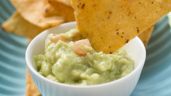 Rezept: Guacamole mit Tortillachips