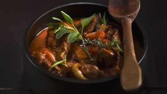 Rezept: Gulasch aus Rindfleisch