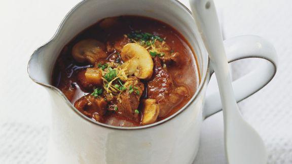 Rezept: Gulasch-Pilz-Suppe