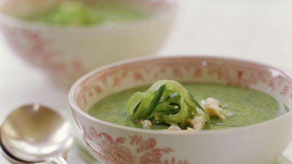 Rezept: Gurken-Krebsfleisch-Suppe