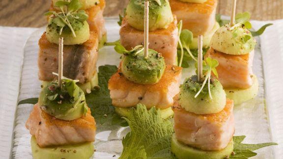 Rezept: Gurken-Lachs-Häppchen mit Avocado