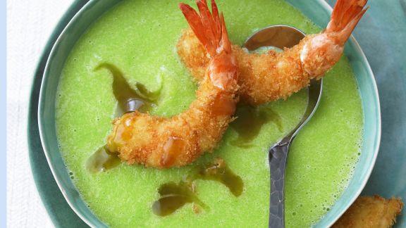 Rezept: Gurken-Wasabi-Kaltschale mit gebackenen Garnelen