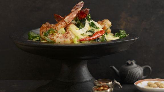 Rezept: Gurkensalat mit Honig-Chili-Garnele