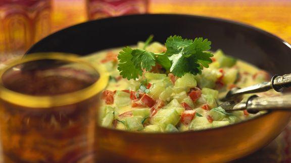Rezept: Gurkensalat mit Joghurtdressing
