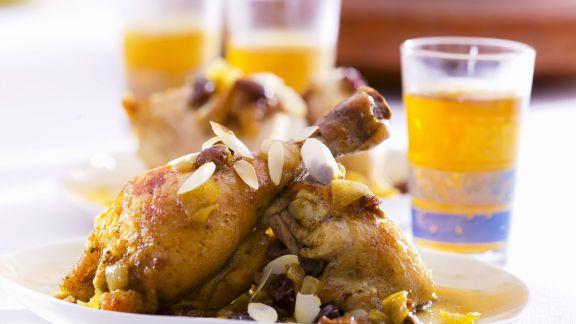 Rezept: Hähnchen auf arabische Art mit Mandeln, Sultaninen und Zwiebeln