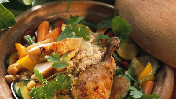 Rezept: Hähnchen aus dem Römertopf mit Couscous und Gemüse