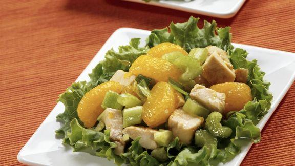 Rezept: Hähnchen-Mandarinen-Salat mit Sellerie