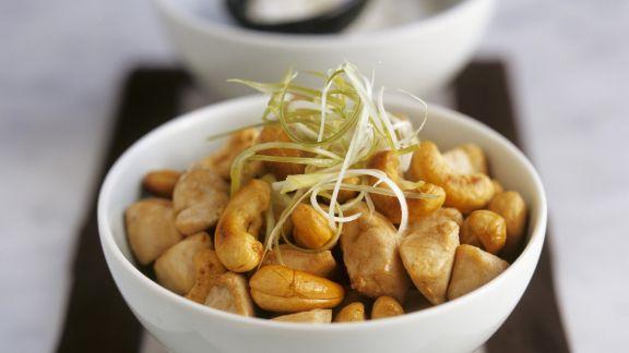 Rezept: Hähnchen mit Cashewkernen aus dem Wok